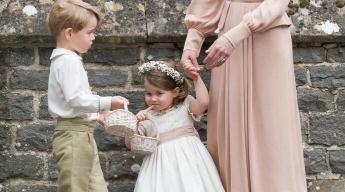 น่ารักมาก! เจ้าชายจอร์จและเจ้าหญิงชาร์ลอตต์ ร่วมงานวิวาห์พิพพา มิดเดิลตัน