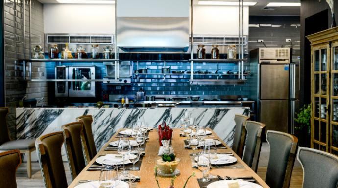 ร้านนี้มีแค่ 12 ที่นั่ง…พาไปชิม Chef's table by Khao ร้านนี้เอ็กซ์คลูซีฟสุดๆ