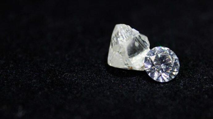 A DIAMOND IS FOREVER  เปิดตำนานเพชรดังระดับโลกที่เหล่าคนดังเลือกสวมใส่